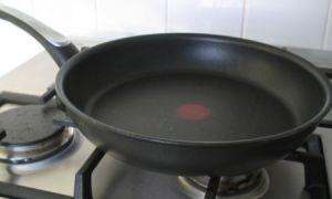 Какую опасность таит тефлоновая сковорода, в чем заключается вред тефлона