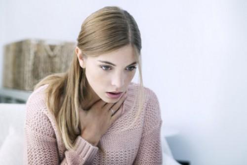 отравление кислотами у девушки