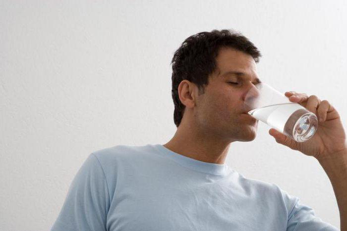Запивайте сорбенты водой