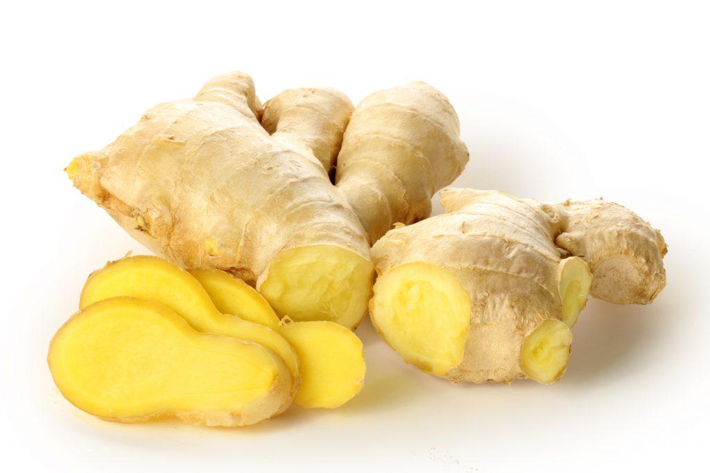 Имбирь при отравлении снижает выраженность симптомов и выводит токсины из организма