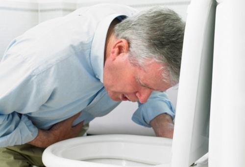 При отравлении фреоном нужно обяызательно промыть желудок