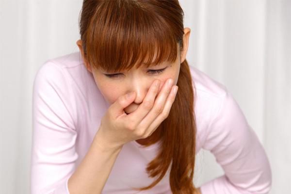 Понос, тошнота и боли в животе - симптомы отравления